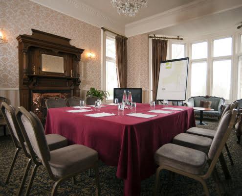 longs lounge meeting room